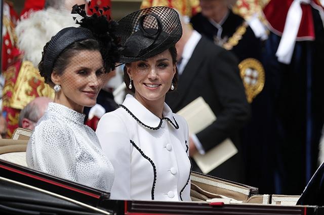 Знаменитости: В сети обсуждают грубое поведение Кейт Миддлтон по отношению к королеве Летиции