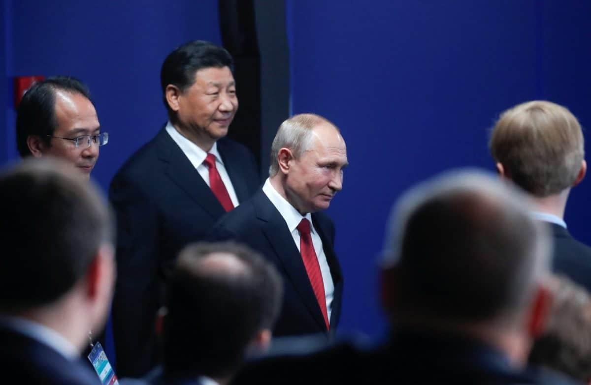 Владимир Путин и Си Цзиньпин. Фото: Maxim Shemetov / Reuters