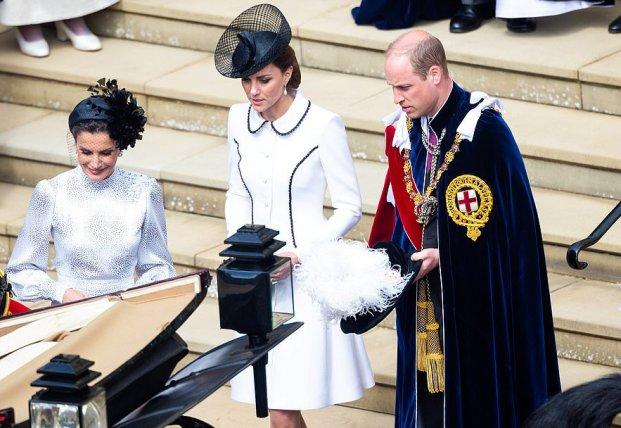 Общество: Кортеж Кейт Миддлтон и принца Уильяма сбил старушку: она в тяжелом состоянии (фото)