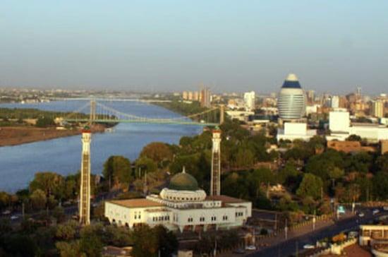 Общество: Заявления Лондона свидетельствуют о поддержке организаторов протестов в Судане, считает эксперт