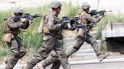Военнослужащие НАТО на военных учениях в Латвии