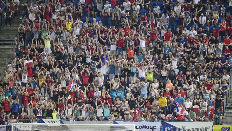Общество: Стартовала продажа билетов на матчи ЧЕ-2020 по футболу