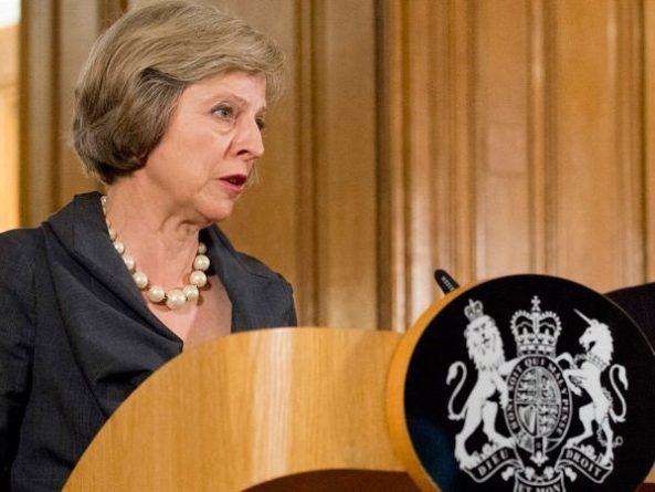 Общество: Тереза Мэй покинула пост лидера Консервативной партии