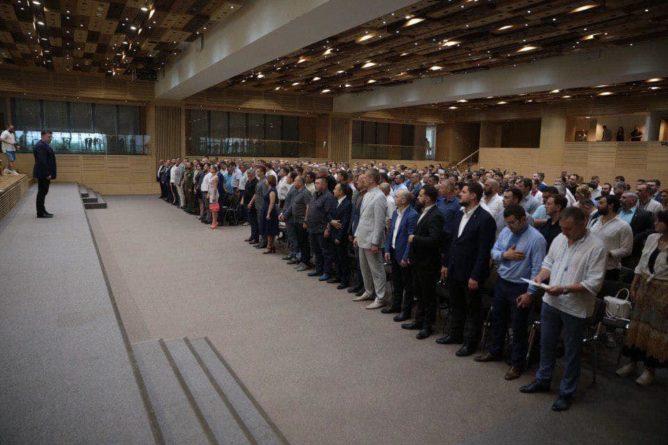 Общество: «Правосеки», Тягнибок и «Азов» идут вместе на выборы в Раду   Политнавигатор
