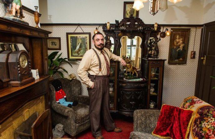 Британец в своем доме воссоздал быт 30-х годов, полностью отказавшись от современных благ