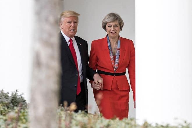 Общество: Позиции США и Британии рухнули в рейтинге репутаций стран