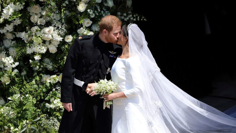 Общество: Сотни снимков принца Гарри и Меган Маркл слили в Сеть