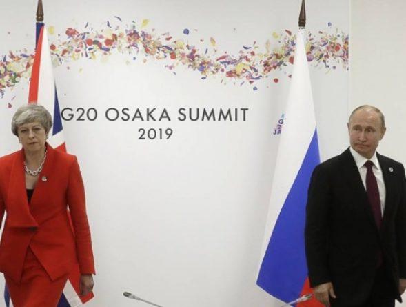 Премьер Великобритании на встрече с Путиным «пела старые песни»