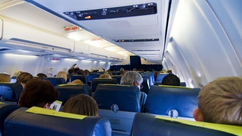 Общество: Истребители вылетели на перехват самолета в Лондоне из-за дебошира