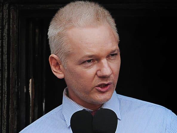 Общество: США попросили Великобританию об экстрадиции Ассанжа