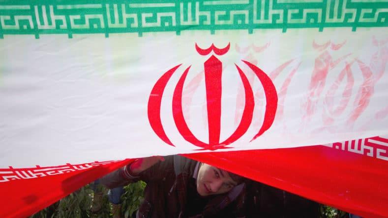 Общество: Иран вызвал посла Британии после обвинений в атаке на танкеры