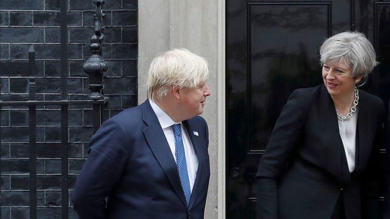 Общество: Борис Джонсон возглавил гонку за кресло премьера Британии