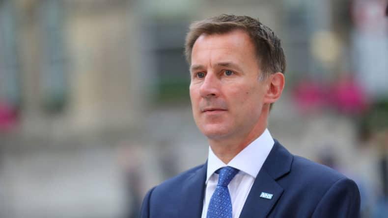Общество: Глава МИД Британии оценил последствия отказа от Brexit
