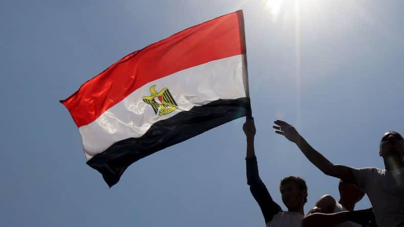 Общество: Египет потребовал у Британии возвращения бюста Тутанхамона