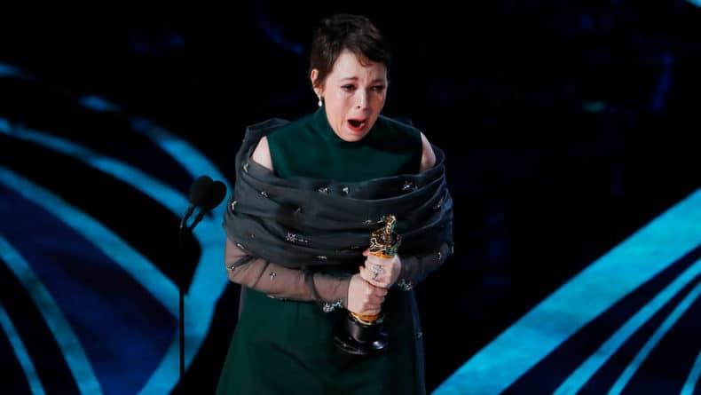 Общество: Лауреат «Оскара» Оливия Колман удостоилась Ордена Британской империи