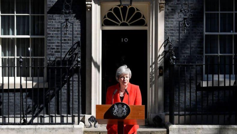 Общество: Мэй пообещала сказать позицию Британии по Скрипалям на встрече с Путиным