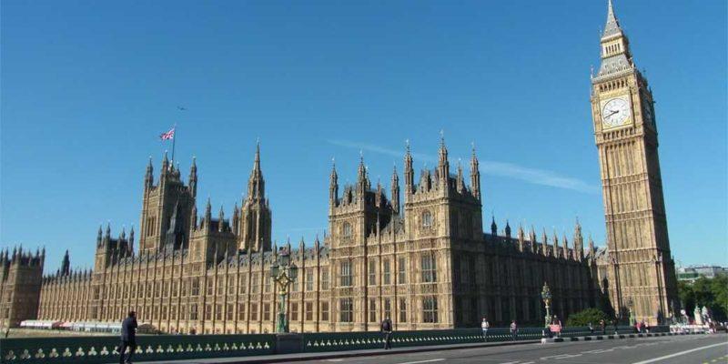 Общество: Лондон: на обед у королевы не каждого министра приглашают