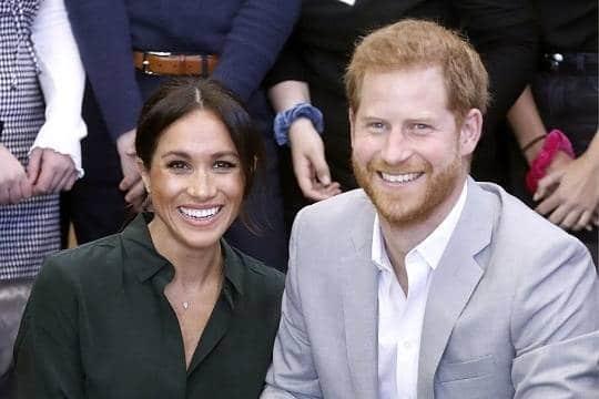 Общество: Елизавета II стремится лично контролировать жизнь принца Гарри и Меган Маркл