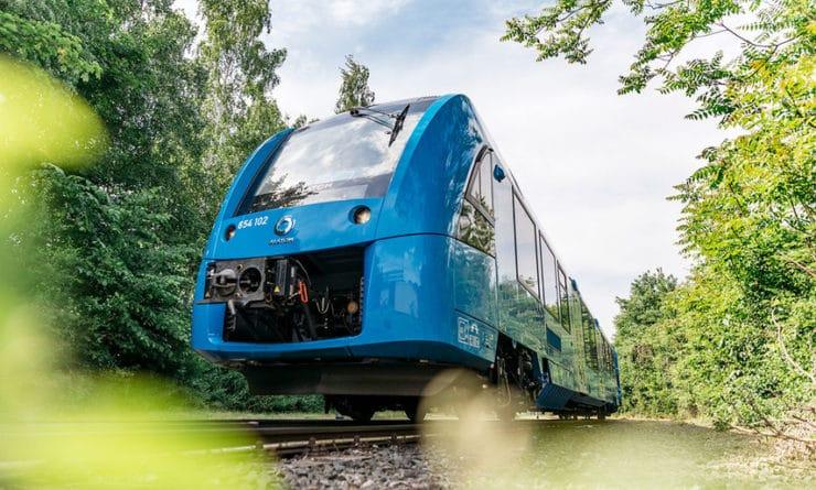 Общество: Британские инженеры превратили электричку в водородный поезд