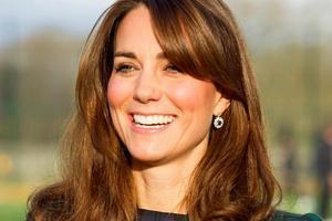 Общество: По-королевски изысканно: Кейт Миддлтон впервые посетила парад конной гвардии
