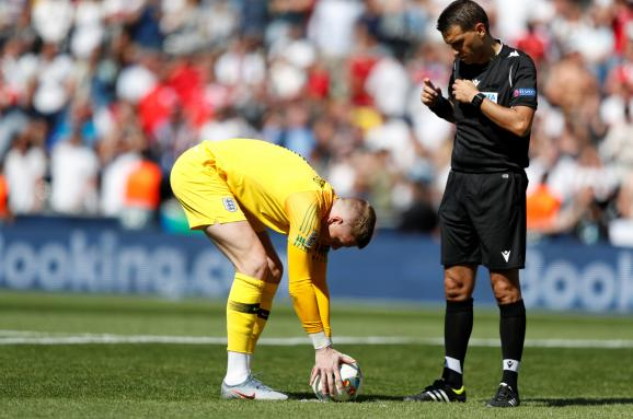 Общество: Англия по пенальти победила Швейцарию в матче за бронзу Лиги наций