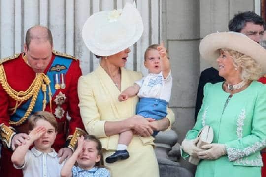 Общество: Кейт Миддлтон одела сына в старый костюм принца Гарри