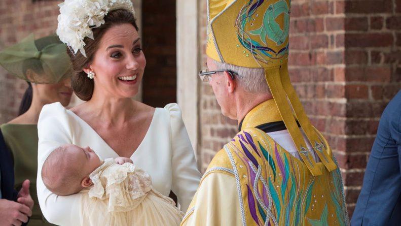 Без рубрики: Сын Кейт Миддлтон и принца Уильяма донашивает чужую одежду