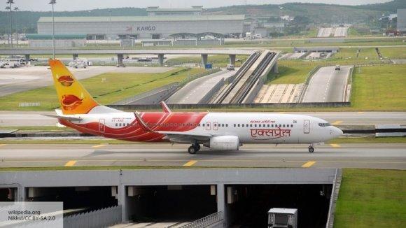 Индийский пассажирский самолет экстренно приземлился в Лондоне из-за возможной бомбы