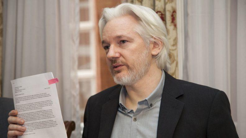 Общество: Минюст США подготовил новые обвинения против Ассанжа