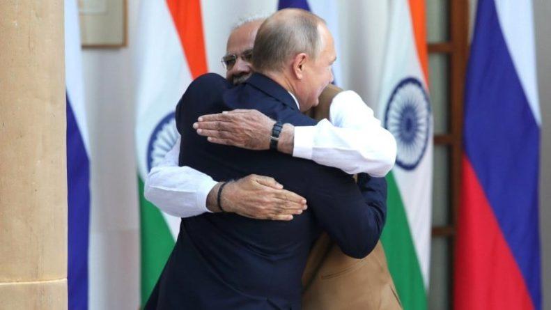 Общество: Вступление Индии в торговый союз РФ—КНР отправит доллар в нокаут