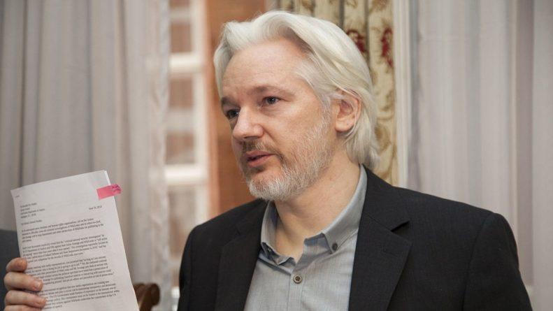 Общество: Глава МВД подписал запрос об экстрадиции Ассанжа в США