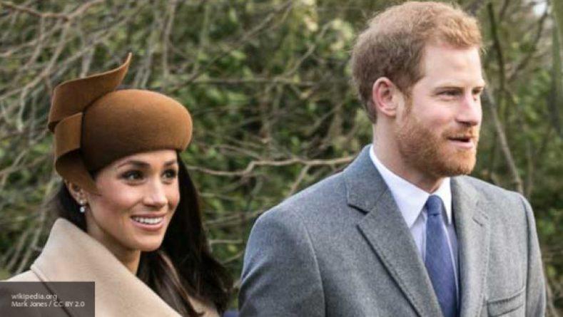 Знаменитости: Специалист рассказал, за что принц Гарри мог отчитать Меган Маркл