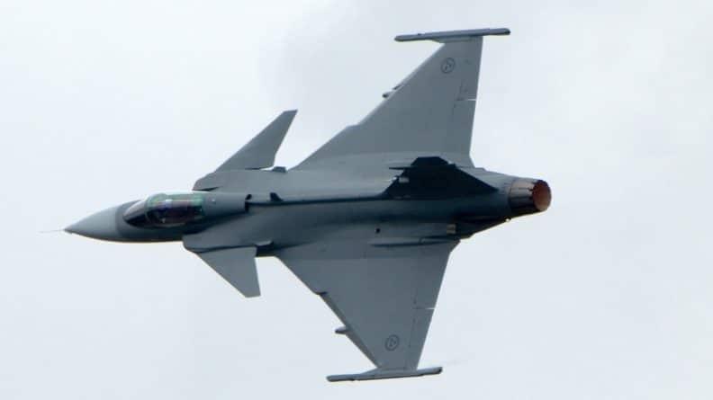 Происшествия: Два истребителя Eurofighter потерпели крушение в Германии