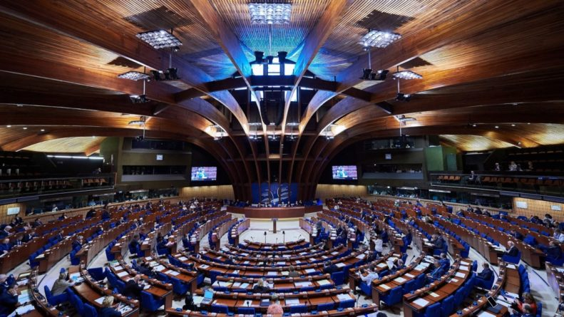 Политика: ПАСЕ проголосовала за возвращение российской делегации