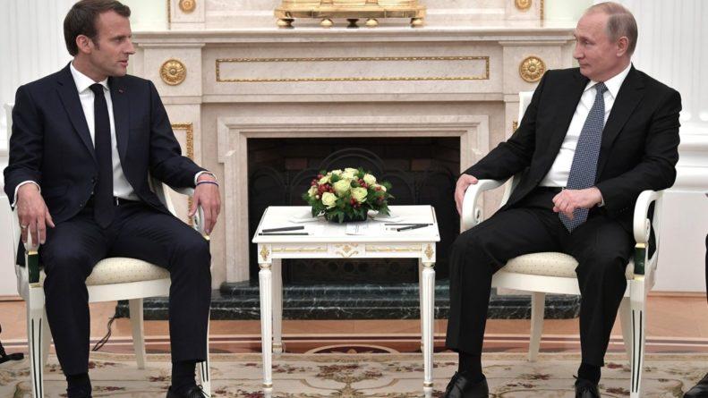 Общество: Макрон по-русски сказал «привет» Путину на встрече в Осаке