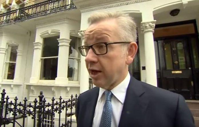 Общество: Кандидат в премьер-министры Британии признался, что употреблял наркотики в юности