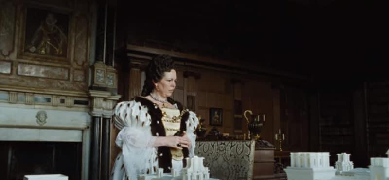 Общество: Звезда фильма «Фаворитка» удостоилась Ордена Британской империи