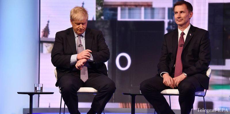Политика: Осталось всего 2 кандидата на пост премьера Великобритании
