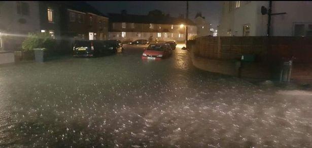 Без рубрики: Сильные ливни затопили Великобританию: дожди продолжают лить