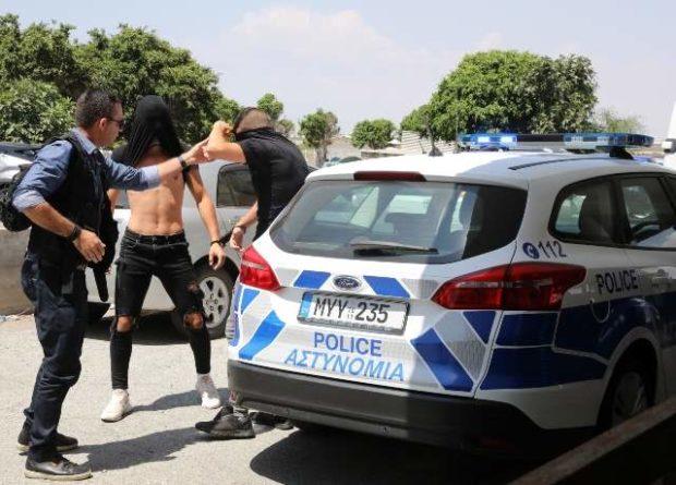 Без рубрики: Туристке из Англии продлили арест