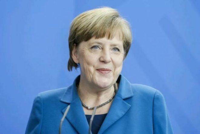 Происшествия: В Британии увидели в жесте Ангелы Меркель на G-20 тайный символ иллюминатов