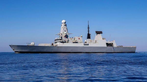 Без рубрики: Великобритания планирует увеличить число военных в Бахрейне