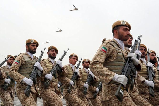 Общество: Россия и Иран подписали меморандум о расширении военного сотрудничества