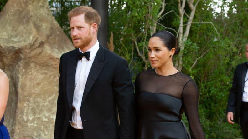 Общество: Соседям принца Гарри и Меган Маркл выдали инструкцию с правилами поведения