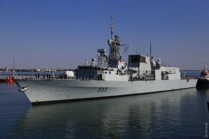 Общество: В Одессу зашли эсминец ВМФ Великобритании и три фрегата НАТО (ФОТО, ВИДЕО)