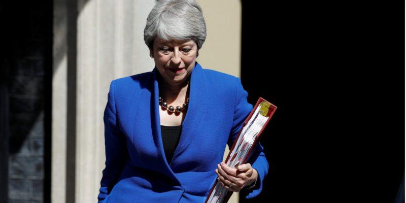 Общество: «Рада передать дела». Мэй поддержала избрание Джонсона новым премьер-министром Великобритании