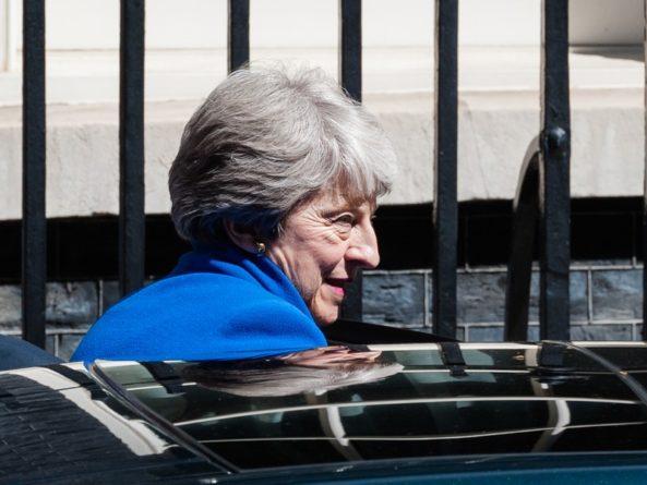 Политика: Тереза Мэй оставила пост британского премьер-министра