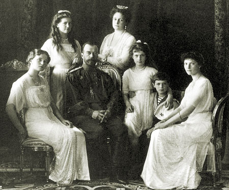 Знаменитости: Расстрел Николая II: почему король Англии передумал спасать царскую семью