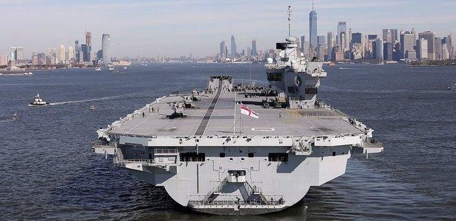 Происшествия: Крупнейший авианосец Британии получил течь в открытом море и вернулся в порт