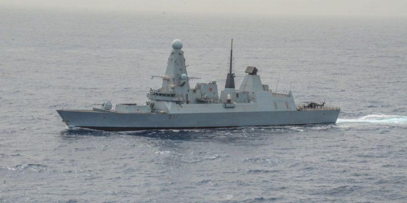 Общество: Великобритания решила отправить второй военный корабль вПерсидский залив